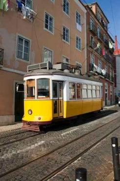 Fototapety PEJZAŻ MIEJSKI tramwaje 11122