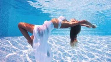 Fototapety SPORT pływanie 12567